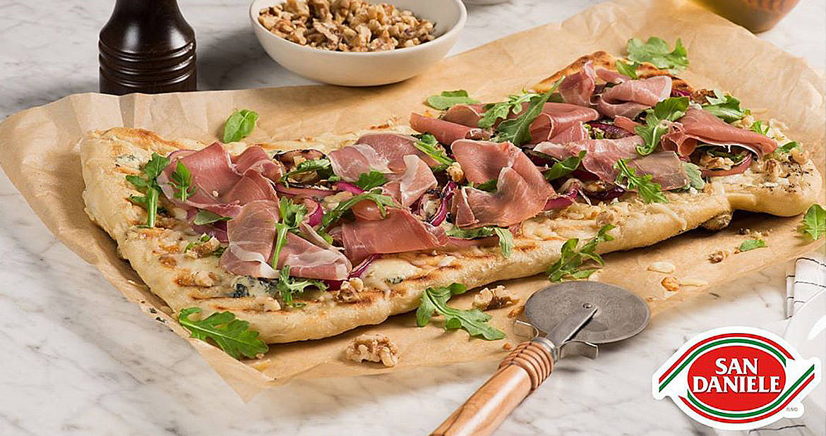 Grilled Onion and Prosciutto Pizza
