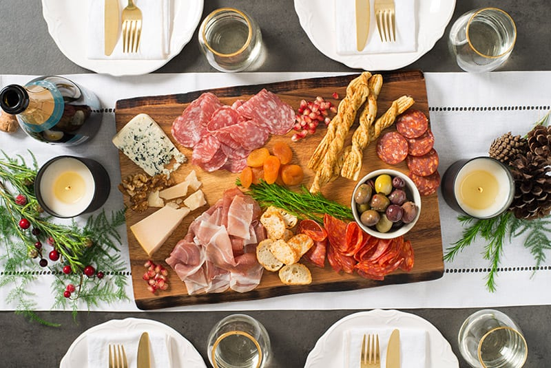 How to Build a Charcuterie Board?
