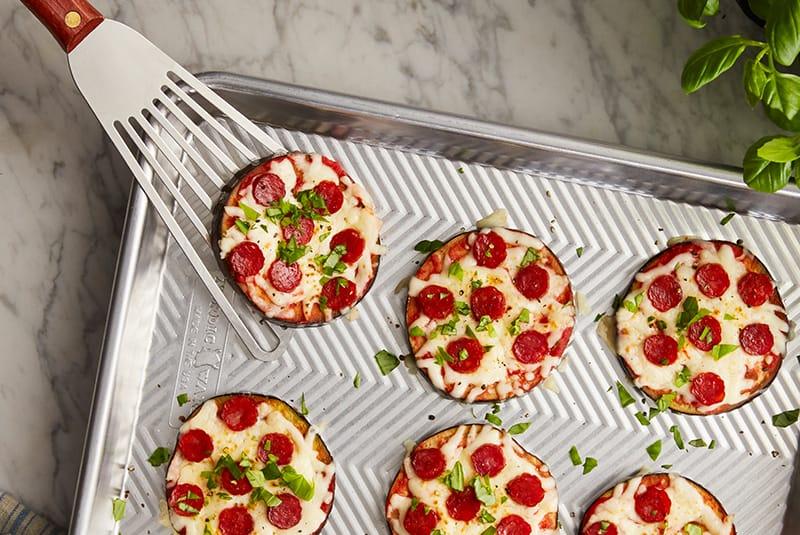 4. Pizza céto à l'aubergine et au pepperoni Mastro<sup>MD</sup>