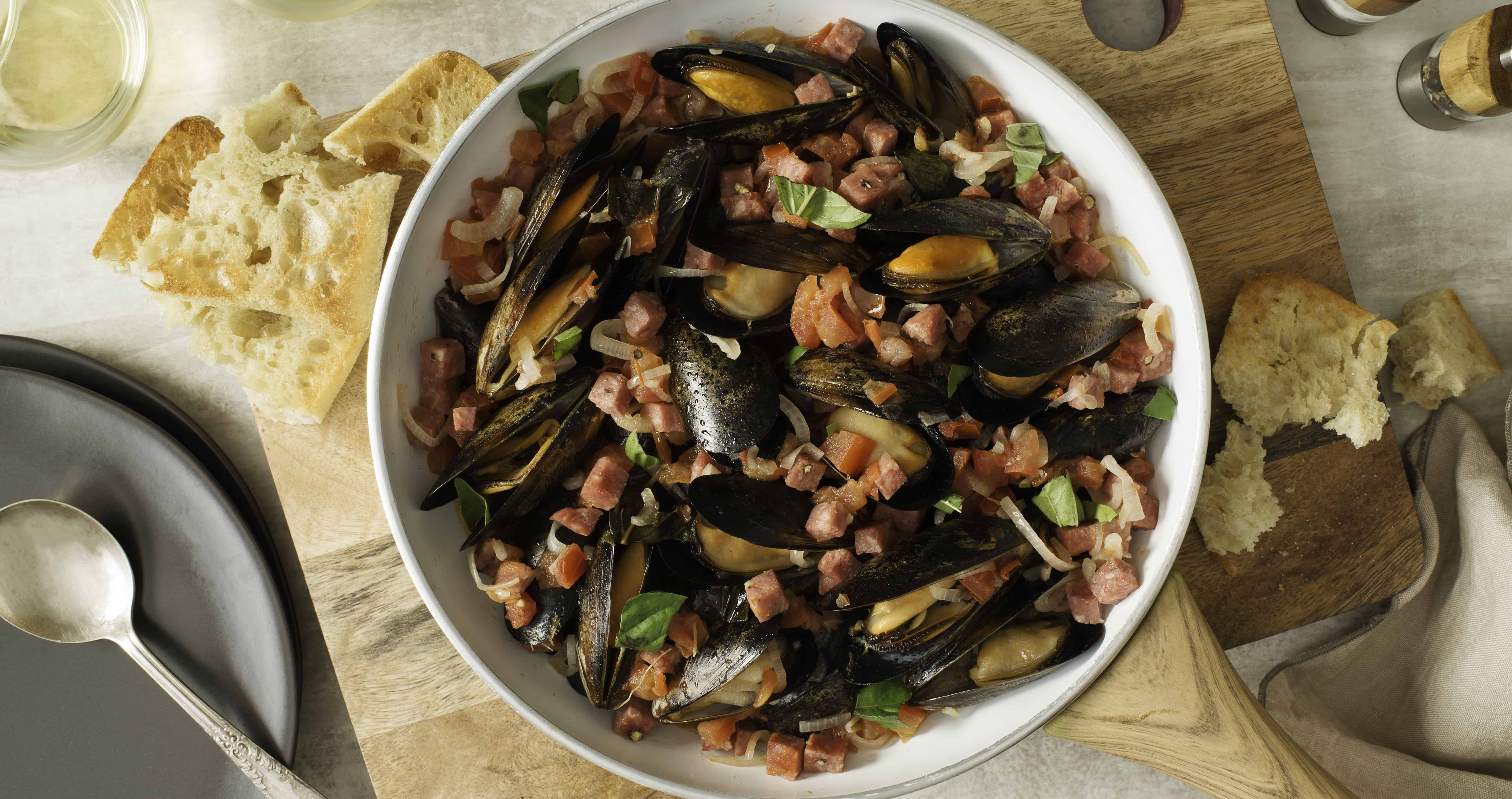 Mussels with Saffron and Salametti