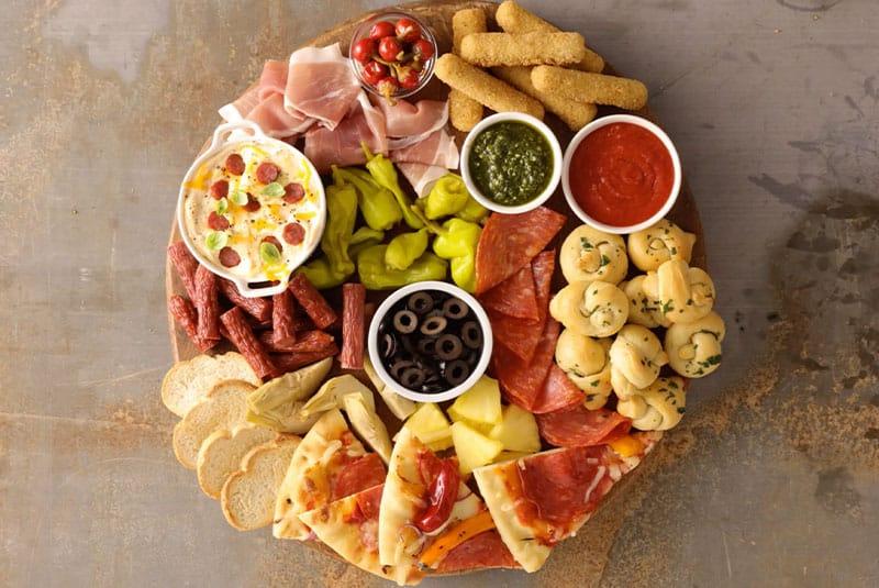 2. Planche de charcuteries pizza